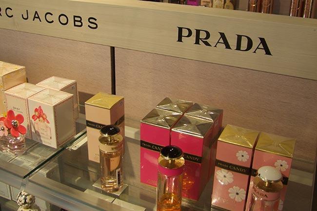 Carousel-Image-3-perfumes