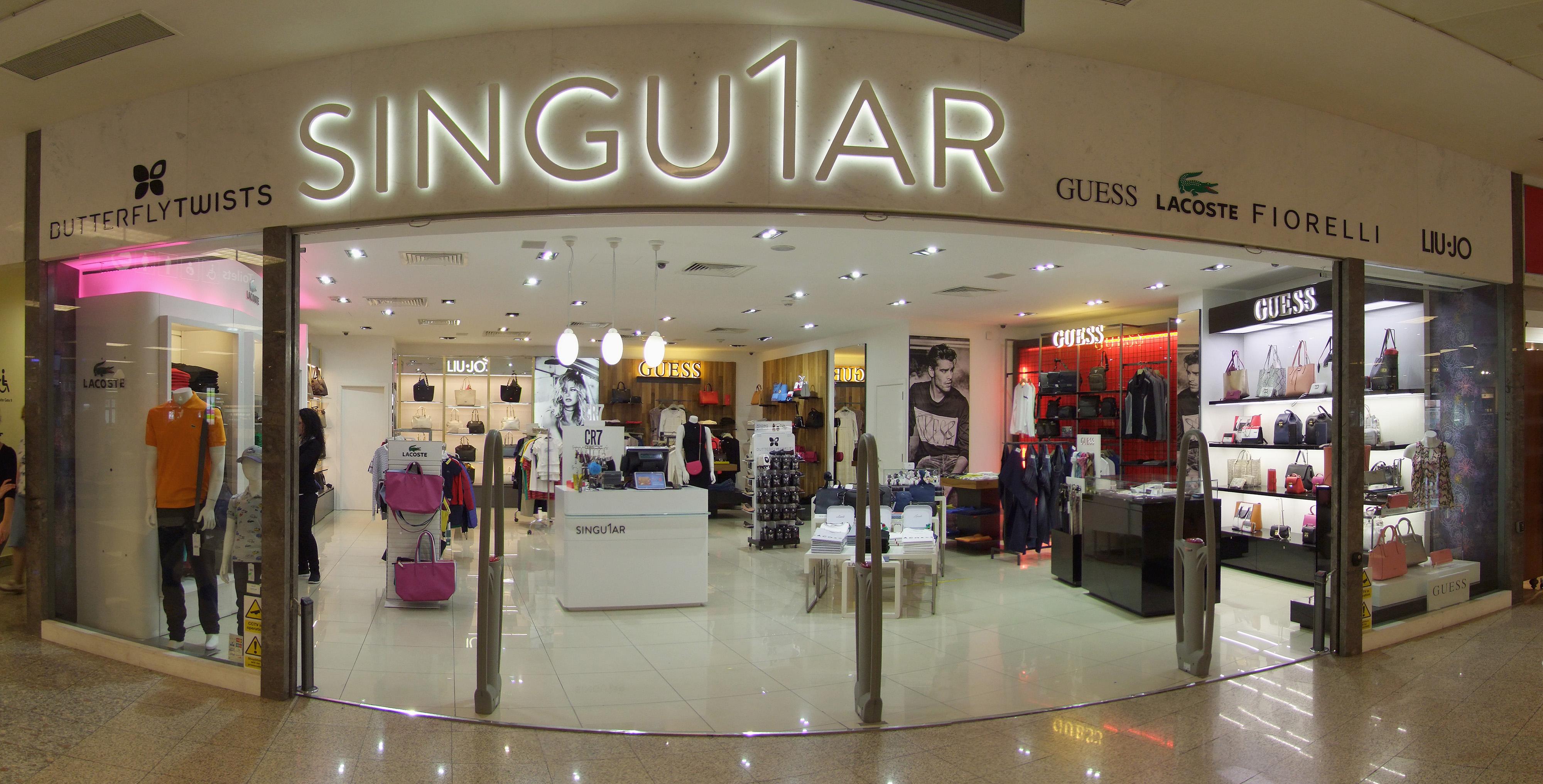 airport shop fashion outlet
